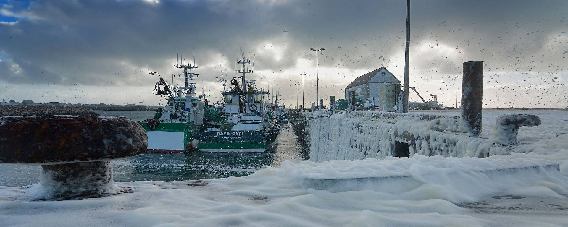 'Snow' in Saint-Guénolé - a stormy day in Pays Bigouden @Nonos