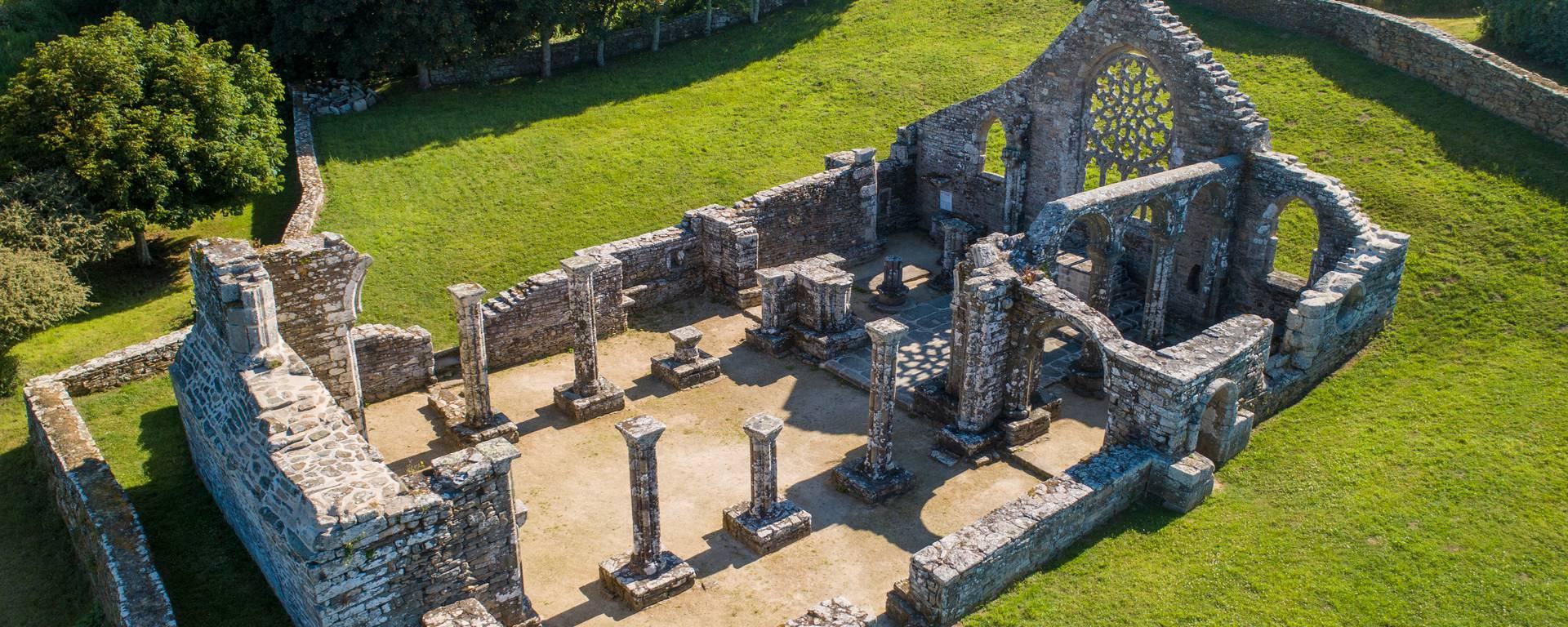 Les ruines de Languidou ©Gwenn Ha Drone