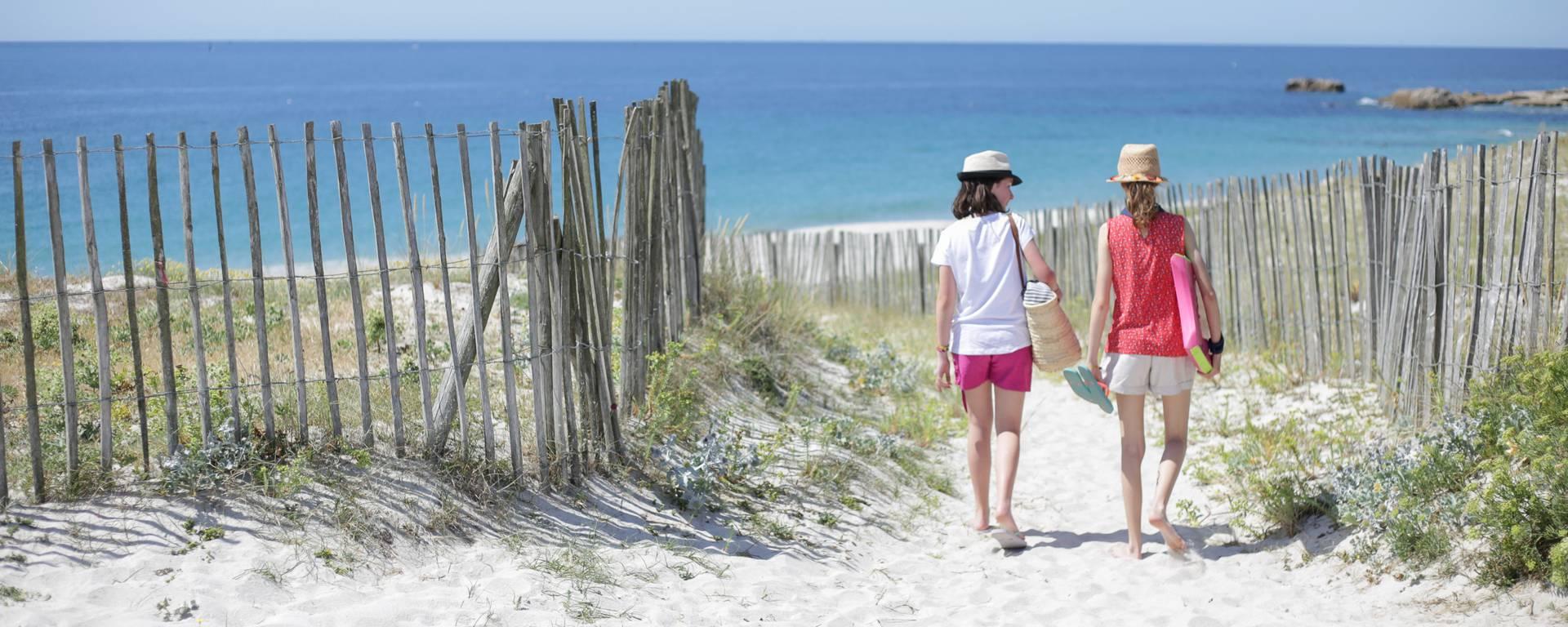 Balade à la plage - plage de Kersaux © E Cléret