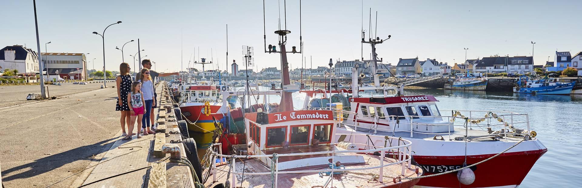 Visite du port du Guilvinec en famille ©A. Lamoureux