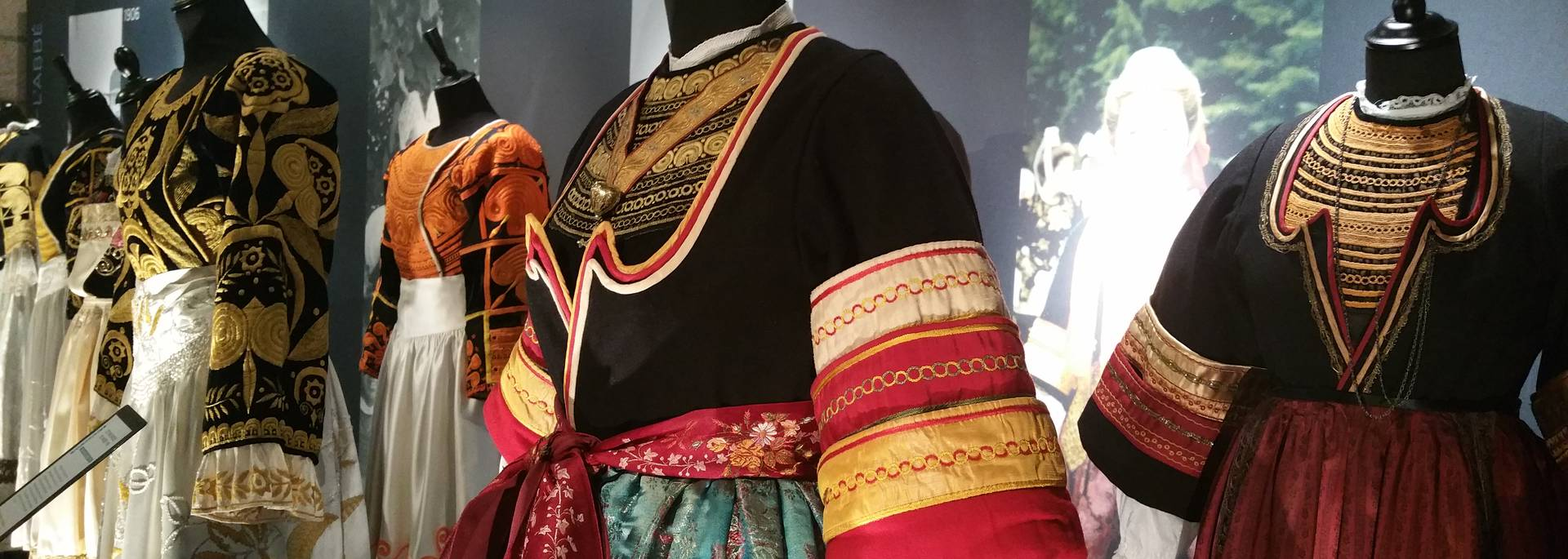 Bigouden Costume - Musee Bigouden de Pont-l'Abbé © E Cleret