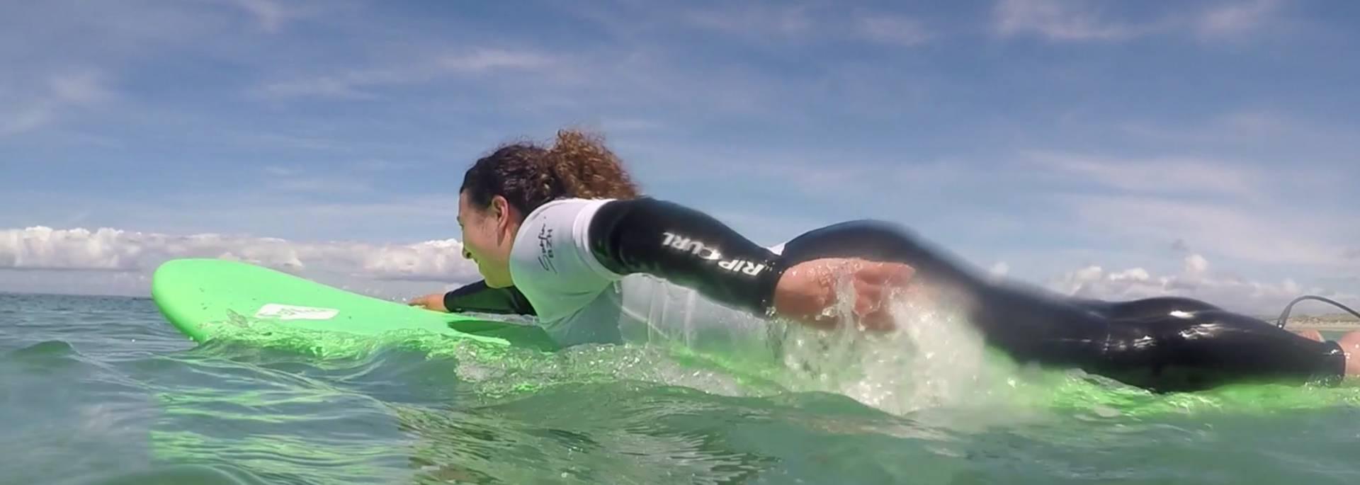 mon premier cours de surf en Pays Bigouden - premières vagues © T Hourmand