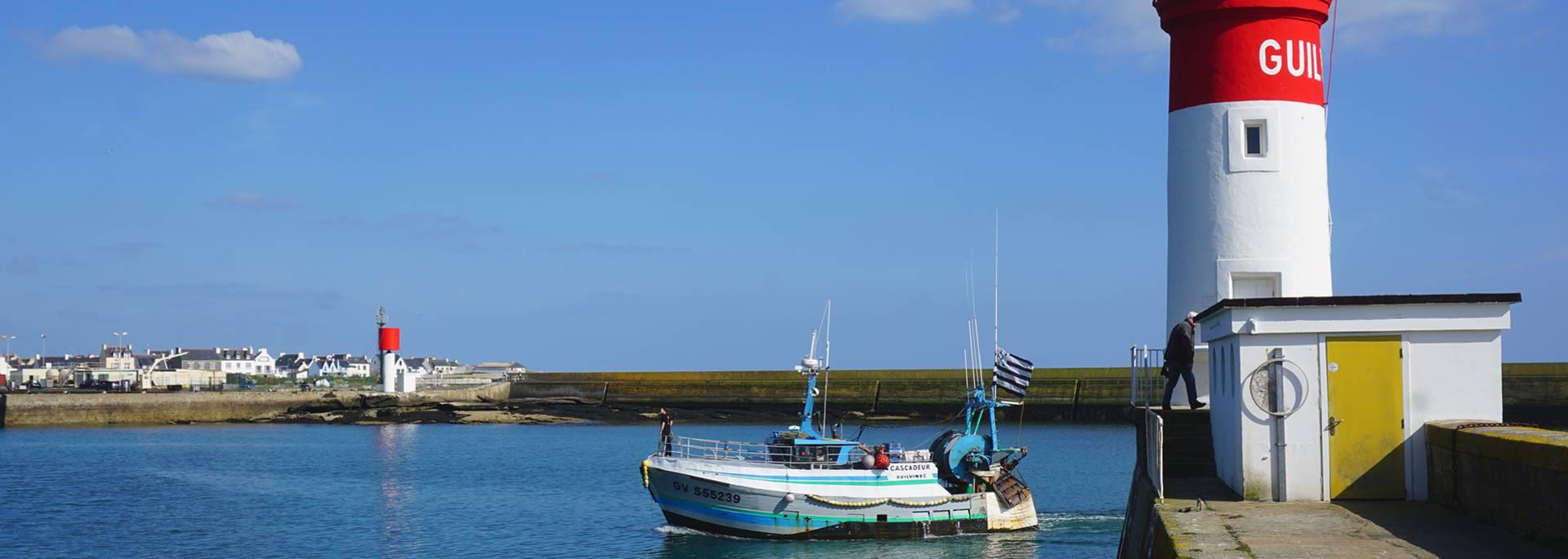 Rückkehr zum Hafen Le Guilvinec im Pays Bigouden © M Gueguen