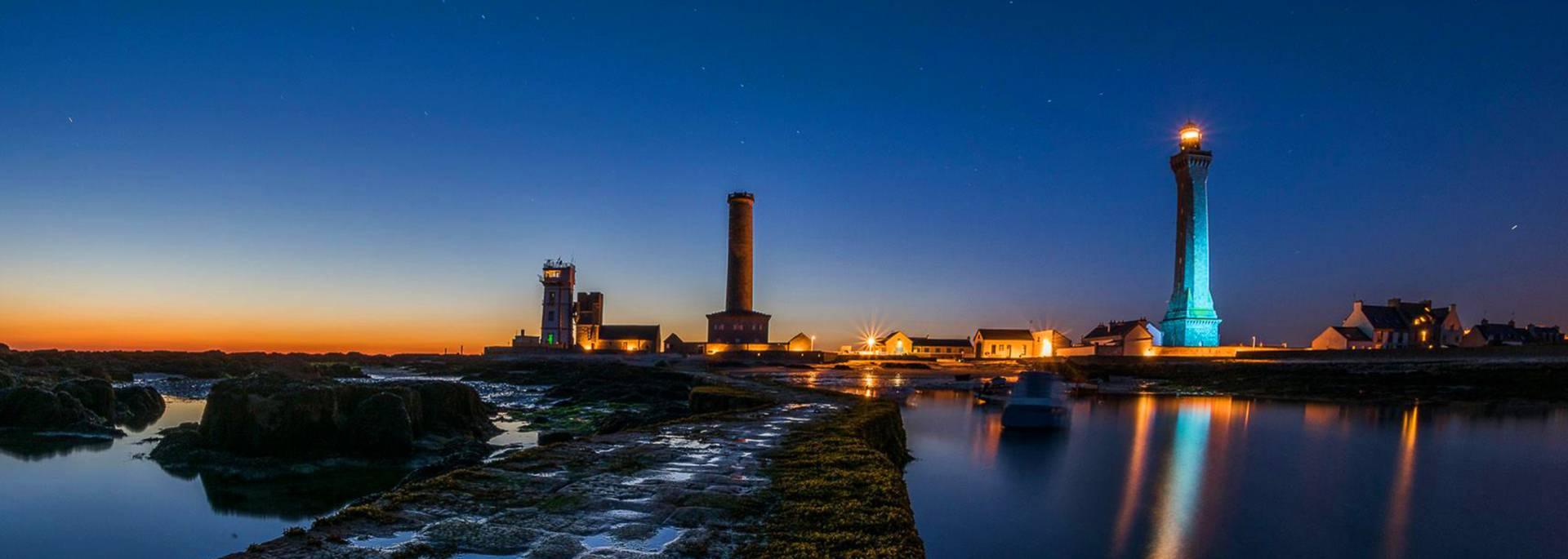 Eckmuhl lighthouse by night- Pays Bigouden © Liz Bourdon