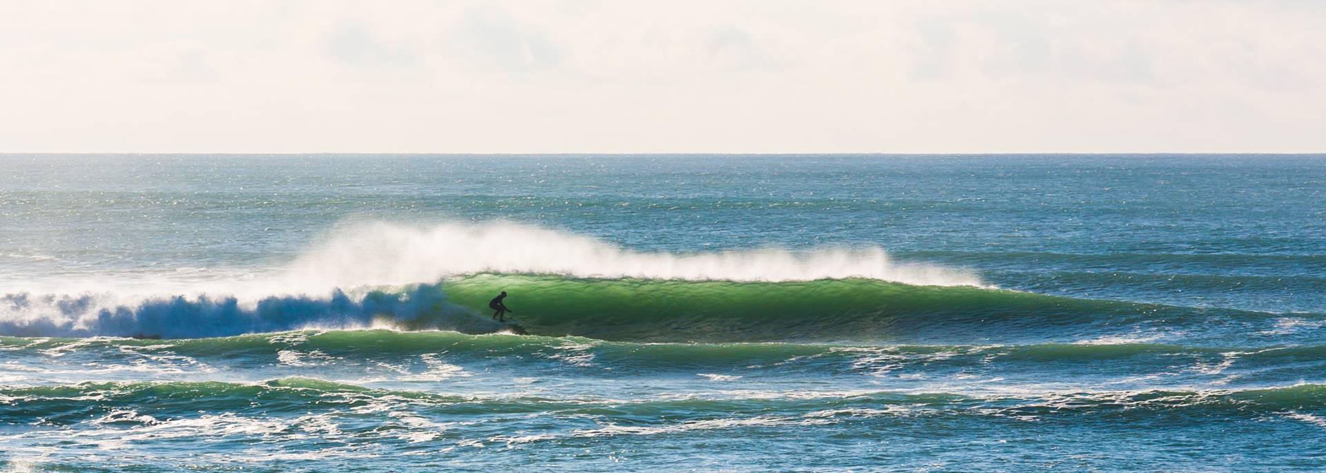 Le surf à la plage de Plovan en Baie d'Audierne © C Thomas
