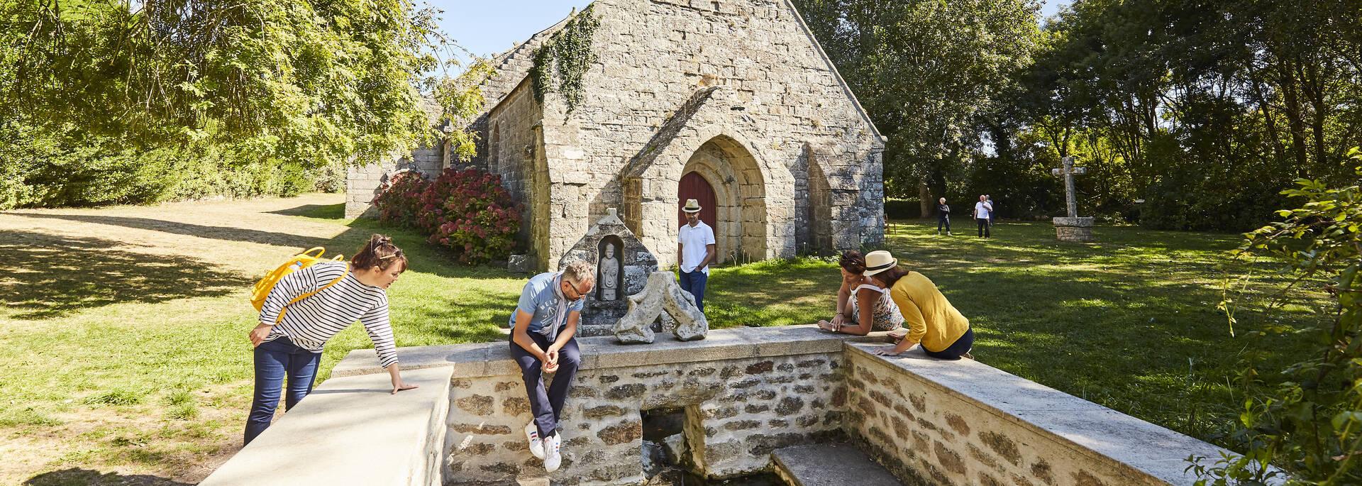 Chapelle de la Madeleine et fontaine, Penmarc'h ©Alexandre Lamoureux