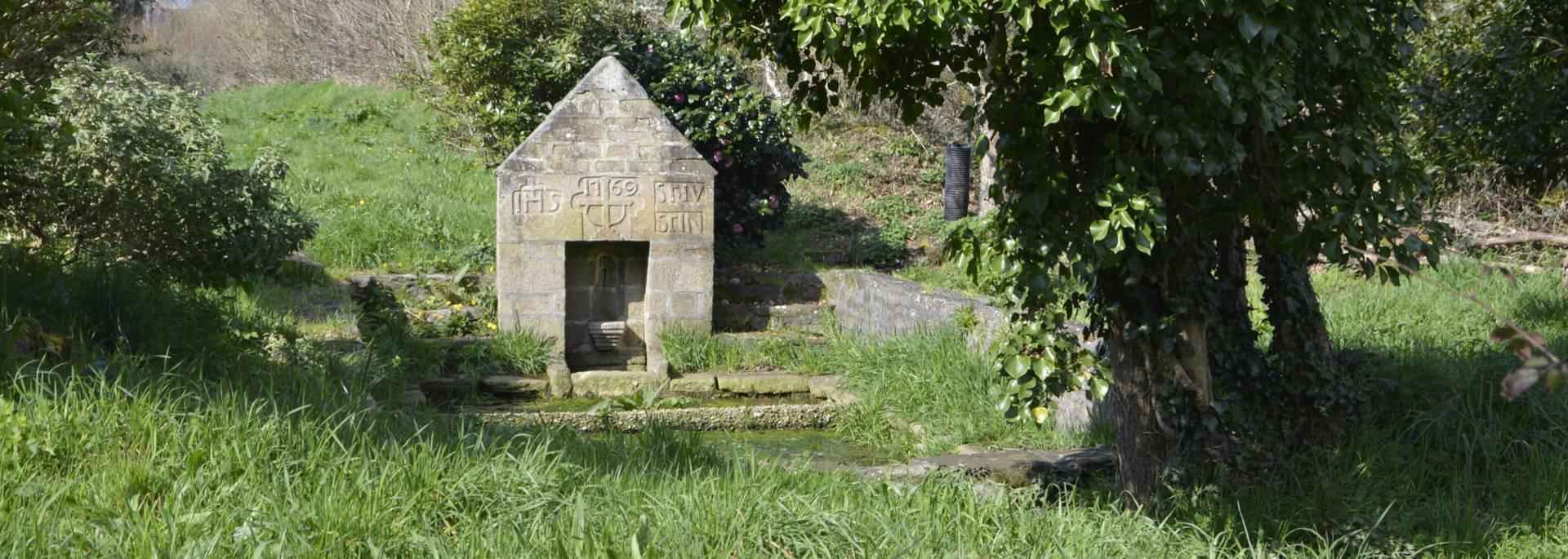Fontaine Saint Nicolas à Guiler-sur-Goyen © M Hamel