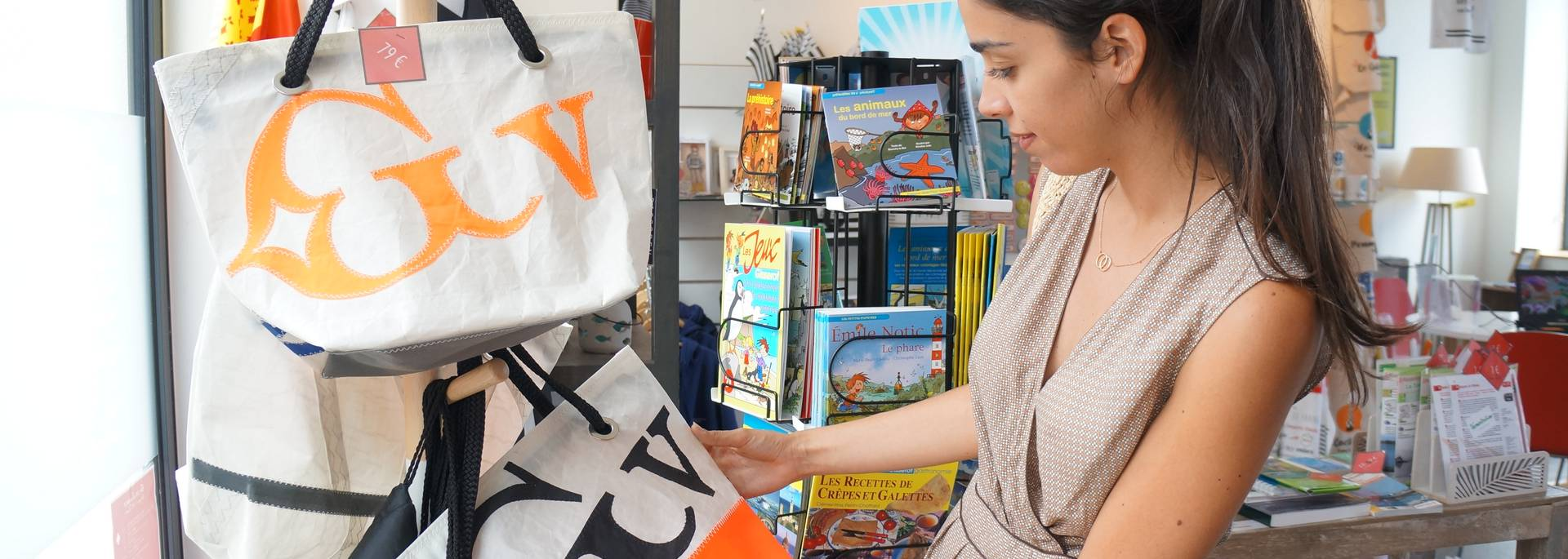 boutique des offices de tourisme du Pays Bigouden ©Eva Cléret