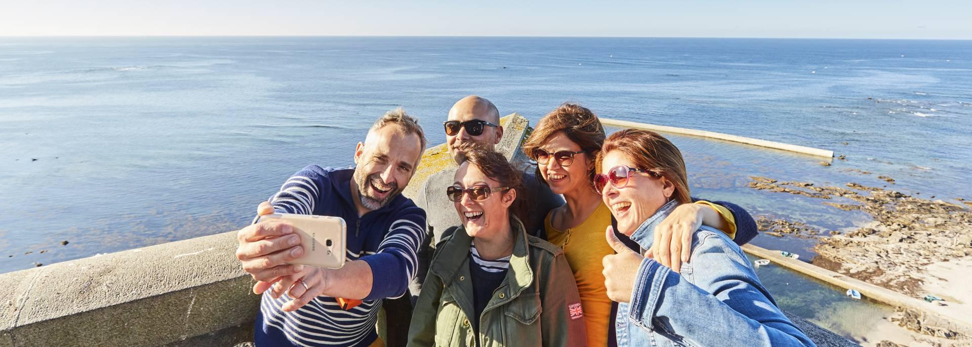 Selfie entre copains en haut du phare d'Eckmühl © A Lamoureux