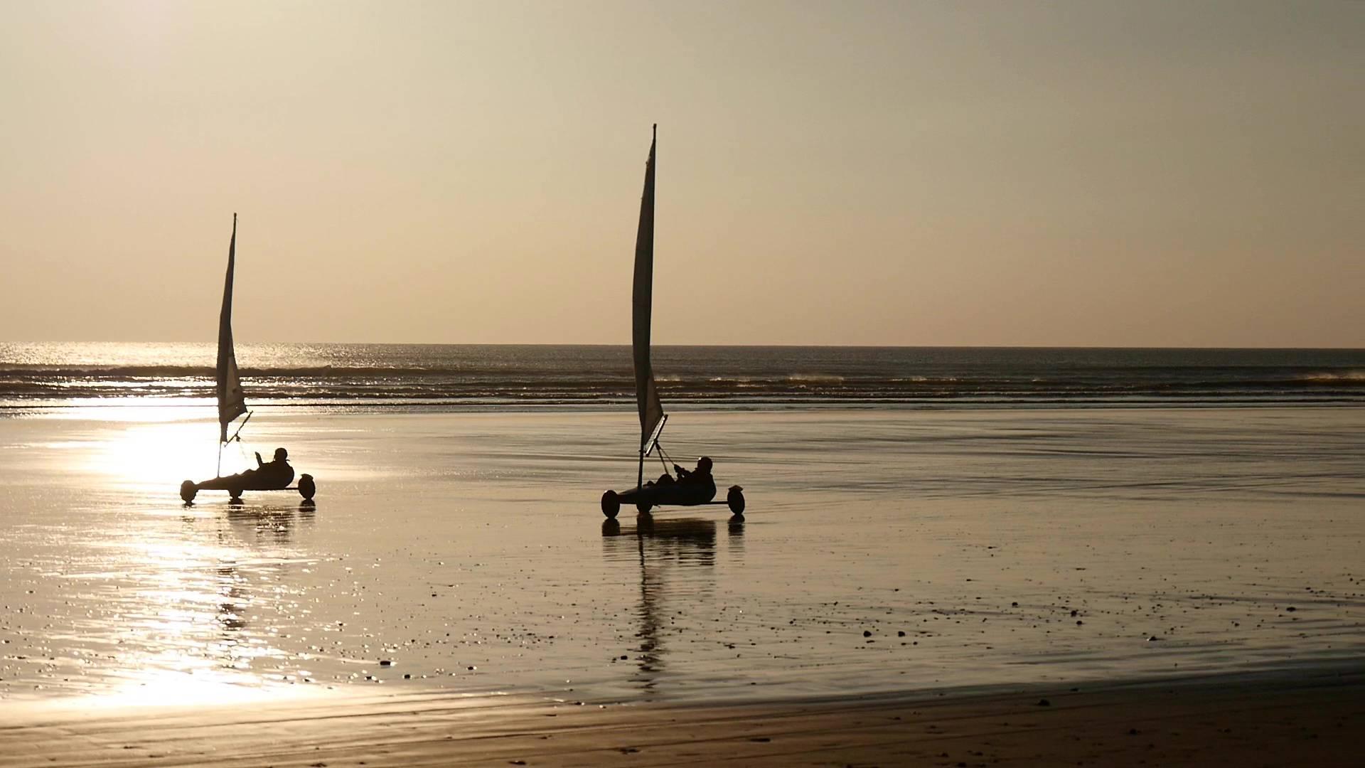 Char à voile en Baie d'Audierne © Airpixelconcept