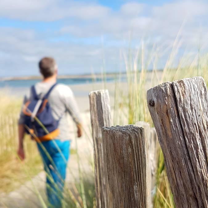 randonnee au bord de la plage en Pays Bigouden © E Cleret