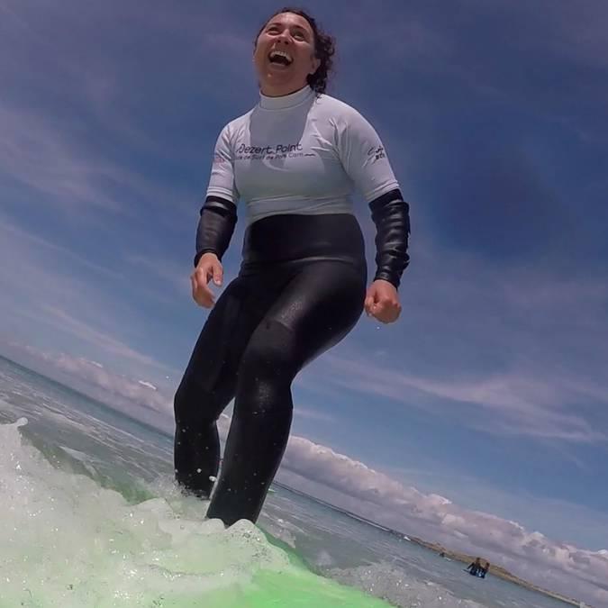 cours de surf avec Dezert Point - premier take of © E Cléret