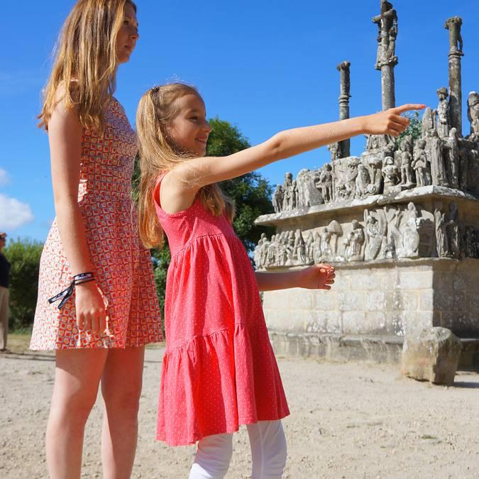le patrimoine du Pays Bigouden - calvaire de Tronoën  © E Cléret
