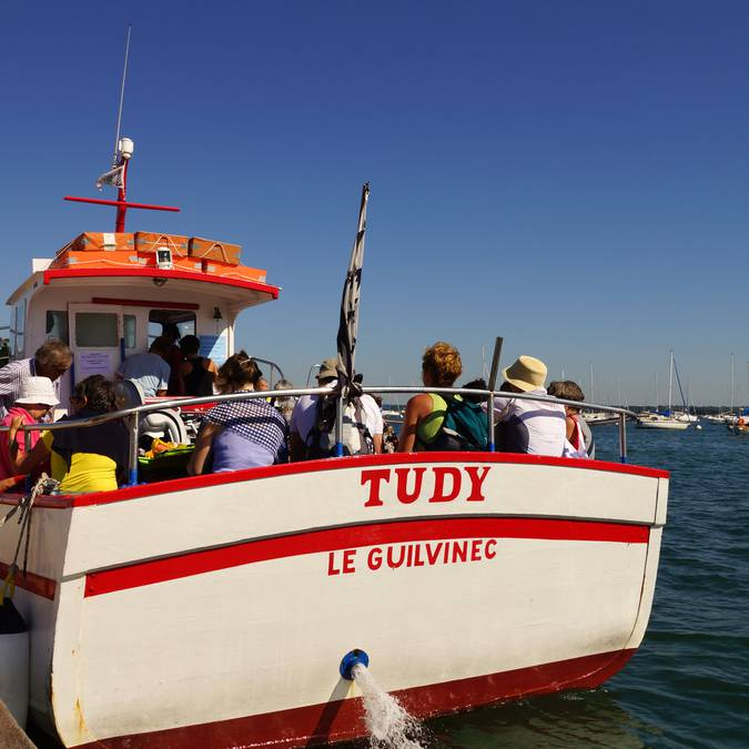 The ferry at Loctudy, Pays Bigouden -® Laouenan